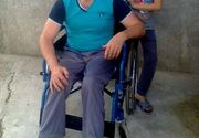 Constantin lucra ca zugrav pentru a-si intretine familia, insa un tragic accident rutier l-a lasat paralizat – Barbatul face apel la bunatatea oamenilor pentru a putea urma un tratament costisitor care l-ar ajuta