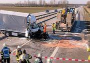 Un sofer roman a provocat un accident rutier in Germania, pentru ca se uita la un film pe telefonul mobil. Nici la sosirea medicilor nu a lasat telefonul din mana