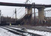 Trafic feroviar blocat pe magistrala Bucuresti-Brasov! O pasarela din Gara de Vest Ploiesti s-a prabusit peste calea ferata