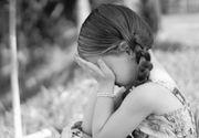 O fetita de 10 ani a fost dezbracata pana la bustiera in mijlocul unui supermarket din Ploiesti, sub privirile socate ale mamei si ale bunicului – Motivul este revoltator