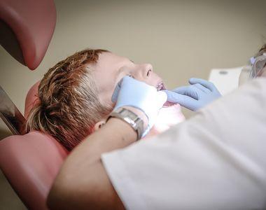 Vesti bune pentru romani! Serviciile de stomatologie ar putea fi incluse in sistemul de...