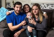 A stat in coma doua saptamani dar si-a revenit dupa ce l-a vizitat copilul sau nou-nascut!