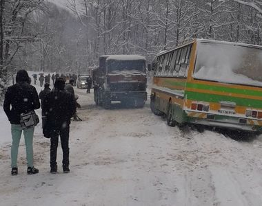 Un autocar cu 40 de copii s-a rasturnat, in Gorj. Nicio persoana nu a fost ranita