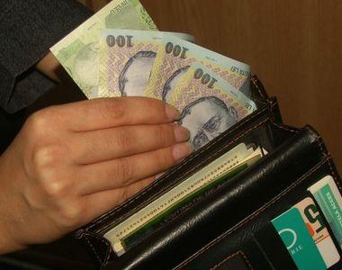 O bona din Bucuresti a furat din casa in care muncea mai multe bijuterii si un card de...