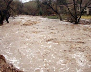 Cod PORTOCALIU de inundatii in sapte judete! In restul tarii sunt anuntate ploi si...
