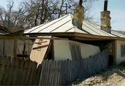 S-a dezlantuit iadul in Vrancea! Mai multe familii privesc neputincioase cum pamantul le inghite casele!