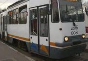Vatmanul unui tramvai din Bucuresti, acuzat ca a lasat in statie un copil si a inchis usile inainte sa coboare si bunicul acestuia! Reactia RATB!
