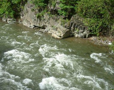 Tragedie in Gorj! Un barbat de 42 de ani a murit inecat dupa ce a cazut din barca in Jiu!