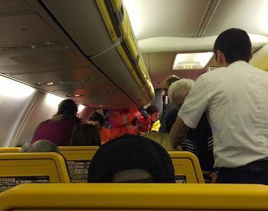 Un avion plin cu pasageri a aterizat de urgenta la Otopeni! Unul dintre motoare a luat...
