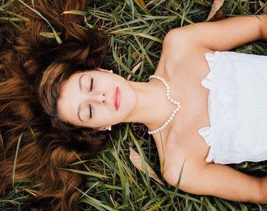 Cheia viselor: Ce inseamna daca visezi ca ti-a crescut par pe corp?