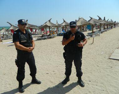 Jandarmii au facut prapad printre tinerii veniti la mare de 1 mai! Au fost gasite...