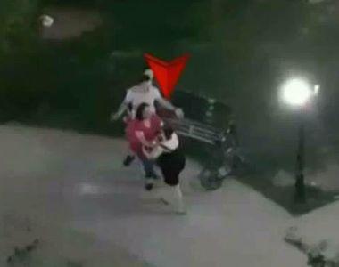 Imagini incredibile surprinse intr-un parc din Capitala! Doua mame s-au luat la bataie...