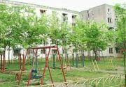 Majoritatea locurilor de joaca pentru copii sunt un adevarat pericol! In timp ce autoritatile nu fac nimic pentru a le reabilita, tot mai multi copii isi risca viata!