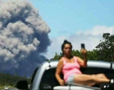 Inconstienti! In loc sa fuga din calea lavei, turistii din Hawaii isi fac selfieuri!