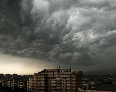 Alerta de vreme rea! Mai multe judete sub cod galben de furtuni si descarcari electrice!