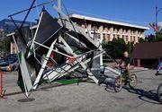 """ASA arata o opera de arta din centrul Iasiului pe care Primaria a platit 16.000 de euro! """"E o gramada de gunoi!"""""""