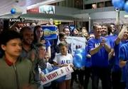 Finalistii Exatlon au ajuns in Romania! Cei patru Razboinici si castigatorul concursului fenomen, faimosul Vladimir Draghia, au fost intampinati ca niste eroi pe aeroportul din Otopeni