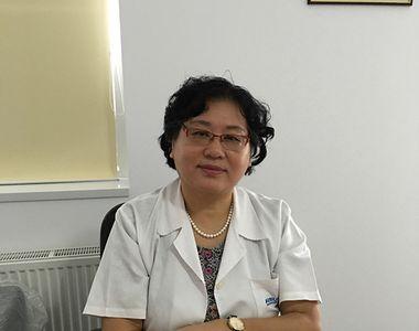 Celebra doctorita Xiaoguang Wang, care i-a tratat pe Ion Iliescu sau Adrian Nastase, a...