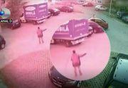 SOCANT! Un barbat a fost snopit in bataie chiar in fata copiilor
