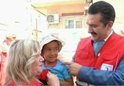 Oficialii turci din Romania au bucurat mai multi copii si batrani nevoiasi cu ocazia Ramadanului. Le-au oferit o masa calda micutilor, dar si pachete cu alimente celor mai in varsta!