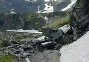 Clipe grele pentru salvamontisti in Muntii Fagaras dupa ce o turista a alunecat pe zapada si s-a lovit de stanci!