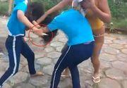 O adolescenta de 14 ani si-a injunghiat o prietena in urma unei altercatii, dupa ce mama sa i-a strigat sa bage cutitul in ea!