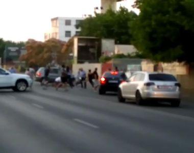 Rafuiala in traficul din Bucuresti! 12 echipaje de politie au intervenit la o bataie -...