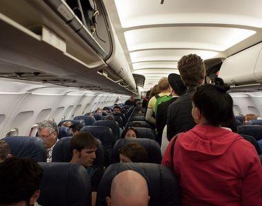 Copii bolnavi de varicela, urcati in avion la Timisoara cu alte peste 100 de persoane