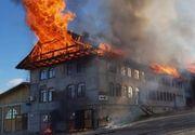 """Care a fost cauza incendiului devastator de la manastirea din Rosiori, Suceava? """"De la 40 de kilometri se vedea fumul gros"""""""