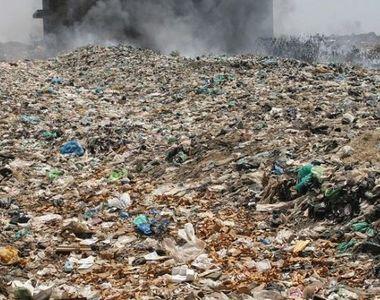 Centrul orasului Constanta este sufocat de un munte de deseuri! Cei care vor sa ajunga...