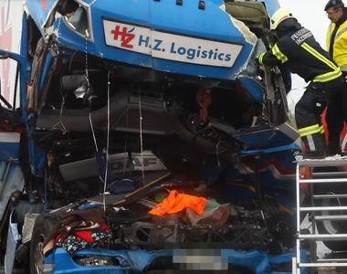 Video! Doi romani au murit intr-un accident extrem de violent in Austria. Tir-ul in...