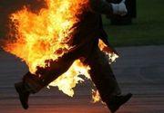 Imagini terifiante intr-un parc din Buzau dupa ce un tanar s-a stropit cu spirt si si-a dat foc!