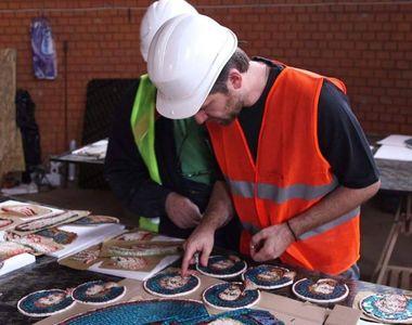 La Catedrala Neamului se monteaza acum icoanele din mozaic! Imagini spectaculoase din...