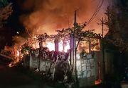 Video! Incendiu devastator la Arad! Doua case s-au facut scrum!