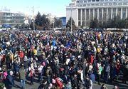 Protest in Piata Victoriei! Mai multi oameni protesteaza fata de adoptarea modificarilor la Codul Penal