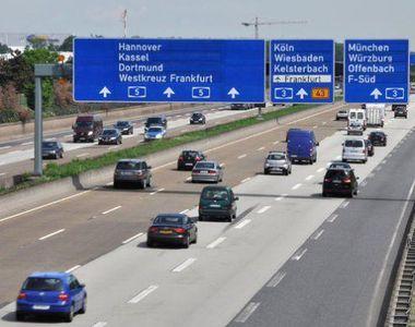 O romanca a fost alergata, printre masinile de pe o autostrada din Germania, de catre...
