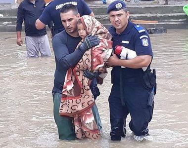 Imaginile durerii! Zeci de oameni au fost evacuati din casele lor, din localitatea...
