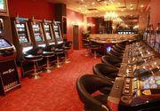 Un barbat a distrus masina din fata cazinoului din Targu Jiu, de ciuda ca a pierdut banii la jocurile de noroc