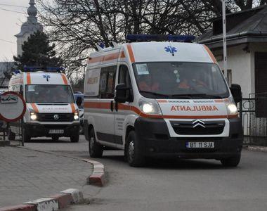 Un copil din Botosani a ajuns la spital, dupa ce tatal sau l-ar fi taiat cu cutitul