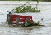 Revine potopul! Meteorologii au emis o noua avertizare de ploi torentiale, vijelii si grindina. Furtunile lovesc in mai multe judete