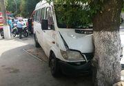 Sapte persoane ranite intr-un accident in care a fost implicat un microbuz cu pasageri, in Capitala