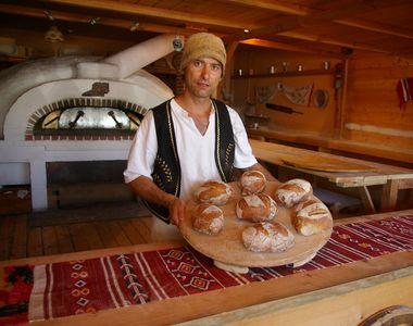 Mancarea traditionala, la mare cautare! Tot mai multi romani cumpara paine din brutarii...