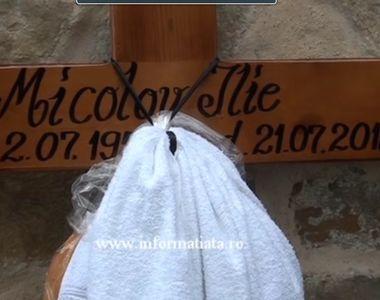 La inmormantarea lui Ilie Micolov oamenii s-au rugat pentru sufletul artistului. In...