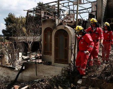 Durerea grecilor care isi cauta rudele pierdute in incendiile devastatoare....