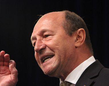 "Se incing spiritele! Traian Basescu: ""Mars afara din Guvernul Romaniei, clovn..."