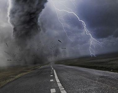 Furtunile, ploile torentiale si grindina lovesc din plin mai multe judete! ANM a emis o...