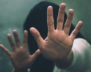 Adolescenta din Indonezia, trimisa la inchisoare pentru ca a avortat dupa ce a fost...