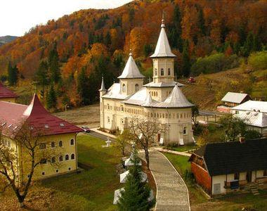 Tragedie langa o Manastire din Neamt! Un barbat a murit, iar fiul lui a fost ranit dupa...