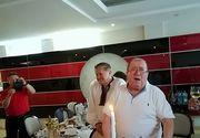 Cum a fost la ultima aniversare a lui Dumitru Farcas! Maestrul a avut doua torturi la implinirea varstei de 80 de ani si a primit un taragot din ciocolata!