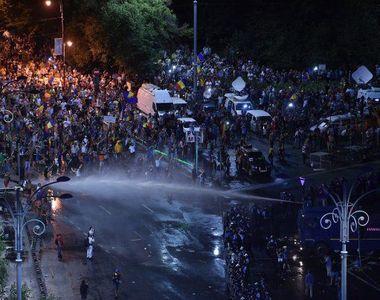 """Catalin Tolontan, despre proteste: """"Gazele lacrimogene pot aduce azi de doua ori..."""